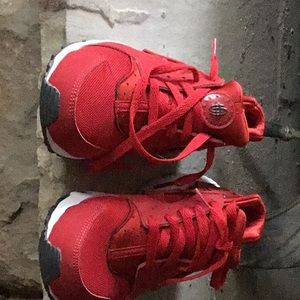 Nike huarache sneakers red/white